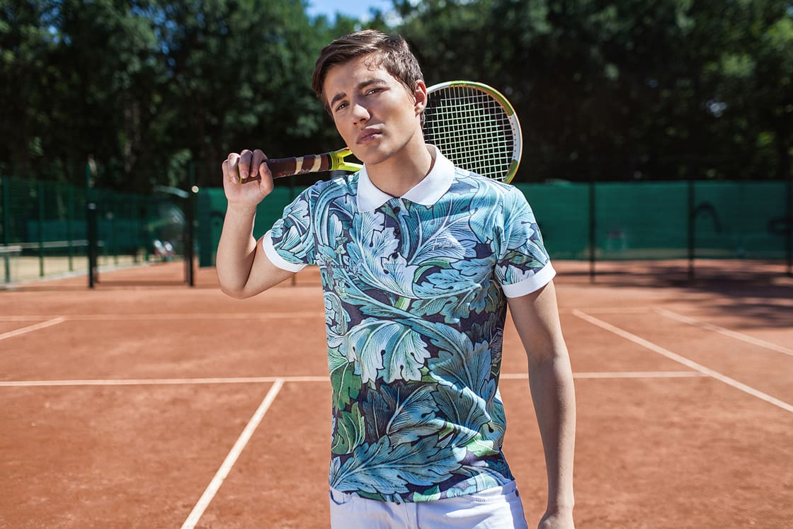 Male model in TROPIC LEAVES polo Shirt